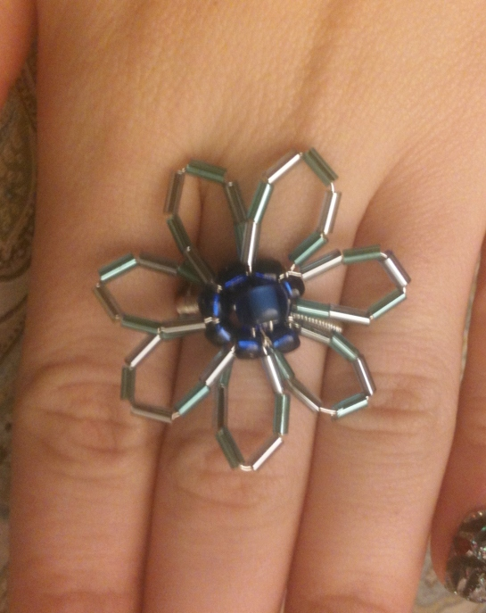 blue flower ring front
